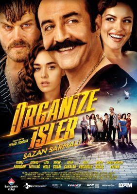 Plakatmotiv: Organize Isler 2: Sazan Sarmali